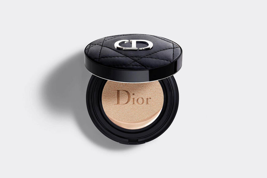 Dior - Dior Forever Couture Perfect Cushion 24h wear* high perfection - luminous matte finish - skin-caring fresh foundation - 24h hydration** - spf 35 - pa+++ * instrumental test on 20 women. ** instrumental test on 11 women. - 15 Open gallery