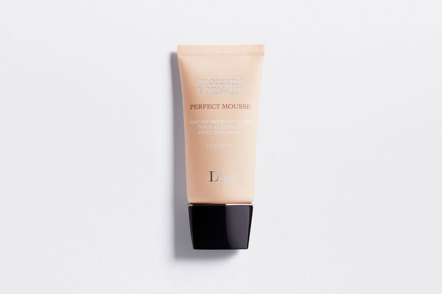 Dior - Diorskin Forever Perfect Mousse Perfect matte weightless foundation zero-pore effect Open gallery