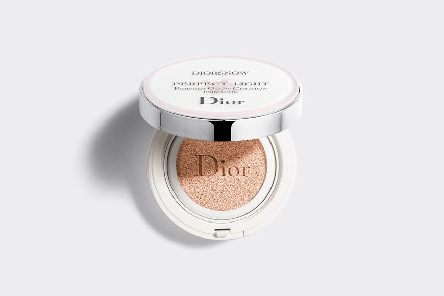 Dior - Diorsnow Diorsnow perfect light - perfect glow cushion - prismatic spf 50 - pa +++ Open gallery
