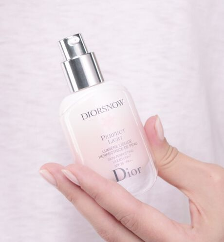 Dior - Diorsnow Diorsnow perfect light - skin-perfecting liquid light spf 25 - pa++ - 5 Open gallery