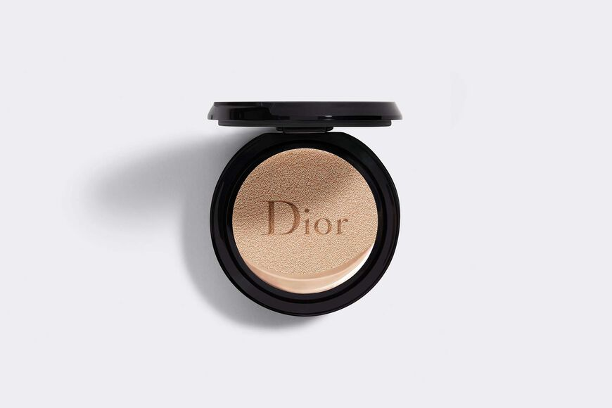 Dior - Dior Forever Couture Perfect Cushion 24h wear* - high perfection & luminous matte finish - skin-caring fresh foundation - 24h hydration** - spf 35 - pa+++ refill * instrumental test on 20 women. ** instrumental test on 11 women. - 7 Open gallery
