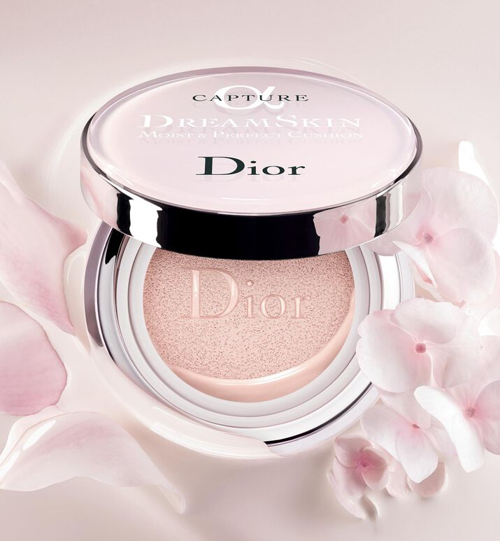 Capture Dreamskin Dreamskin moist & perfect cushion spf 50 - pa+++ - The  collections - Skincare | DIOR