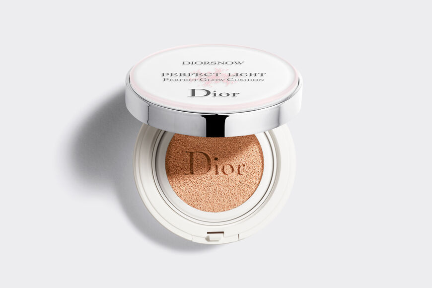 Dior - Diorsnow Diorsnow perfect light - perfect glow cushion spf 50 - pa +++ Open gallery