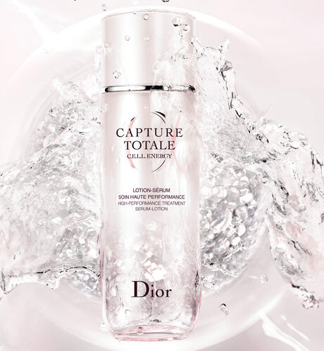 Dior - Capture Totale High-performance treatment serum-lotion - 2 Open gallery