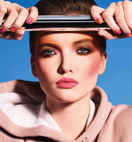 Dior - Diorskin Mineral Nude Bronze - Color Games Collection Limited Edition Bronzer - healthy glow bronzing powder - 3 Open gallery