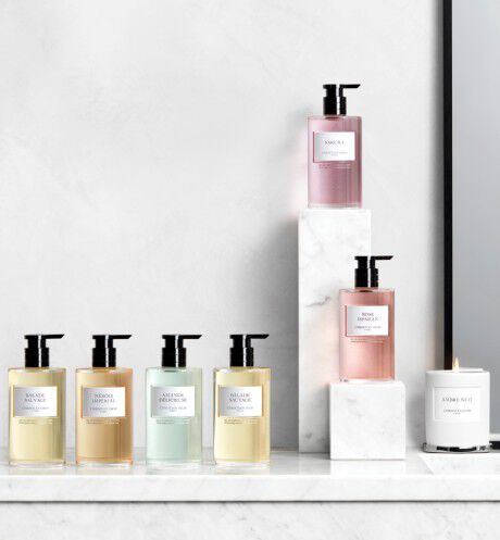 Dior - Amande Délicieuse Liquid hand and body soap - 2 Open gallery