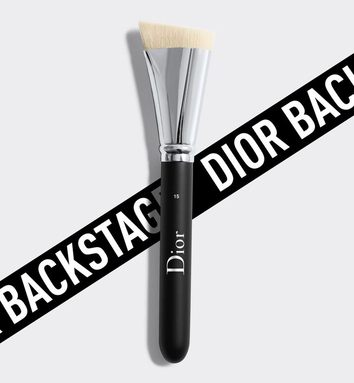 Image product Dior Backstage Contour Brush N° 15