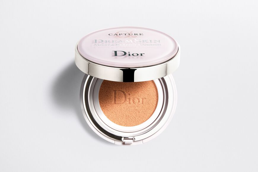 Dior - Capture Dreamskin Dreamskin moist & perfect cushion spf 50 - pa+++ - 2 aria_openGallery