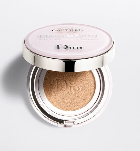 Dior - Capture Dreamskin Cushion foundation - dreamskin moist & perfect cushion spf 50 - pa+++