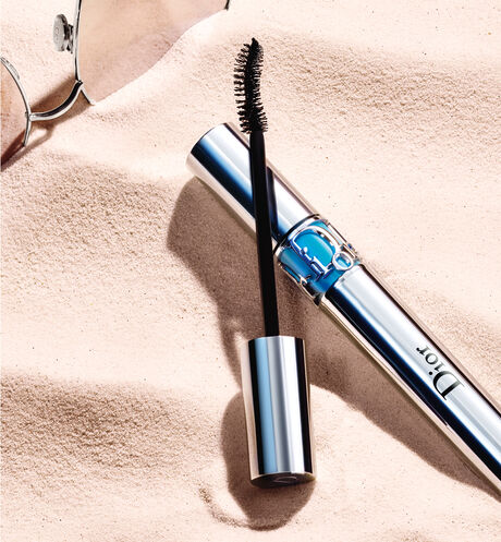 Dior - Diorshow Iconic Overcurl Waterproof Waterproof mascara - spectacular 24h volume & curl - lash-fortifying care effect - 5 Open gallery