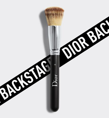 Dior - Dior Backstage Full Coverage Fluid Foundation Brush N° 12 Pinceau fond de teint fluide - haute couvrance n°12
