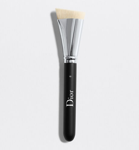 Dior - Dior Backstage Contour Brush N° 15 Pinceau contouring n°15