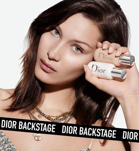 Dior - Dior Backstage Face & Body Primer Professional performance - instant radiant blurring & plumping effect - 24h hydration - 8 Open gallery