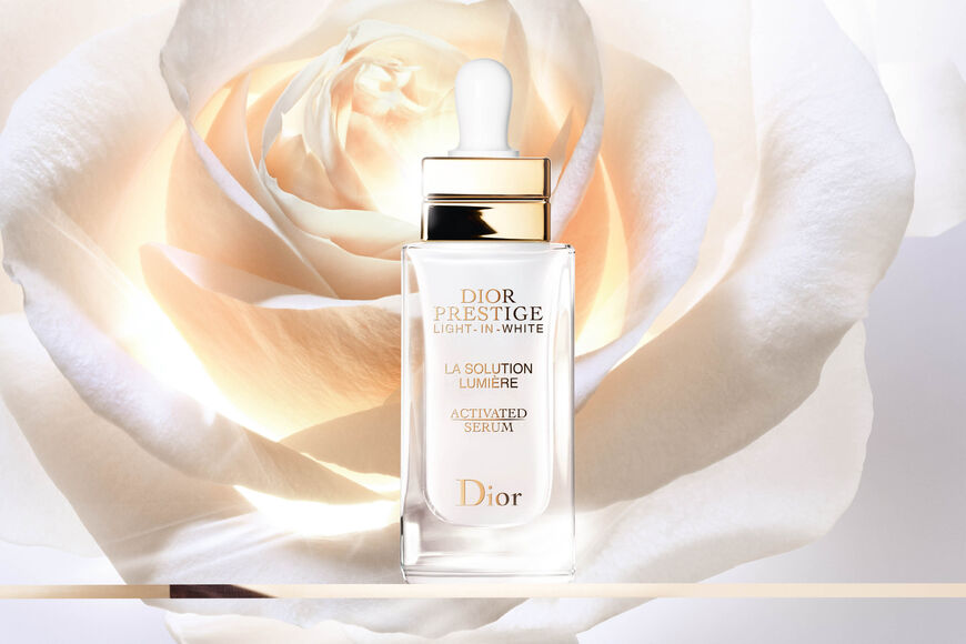 Dior - Dior Prestige Light-in-White La Solution Lumière Activated Serum Dermo-sérum iluminador y regenerador de excepción aria_openGallery