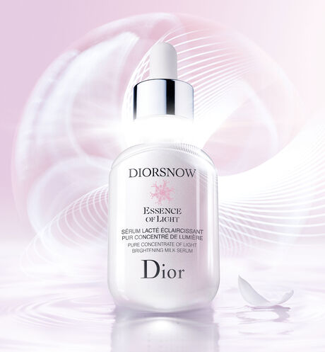 Dior - Diorsnow Pure concentrate of light brightening milk serum