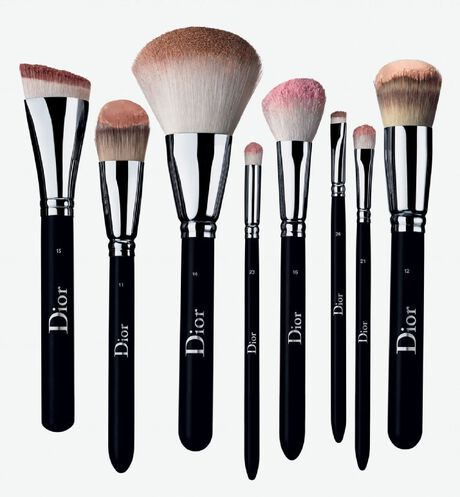 Dior - Dior Backstage Full Coverage Fluid Foundation Brush N° 12 Pinceau fond de teint fluide - haute couvrance n°12 - 2 Ouverture de la galerie d'images