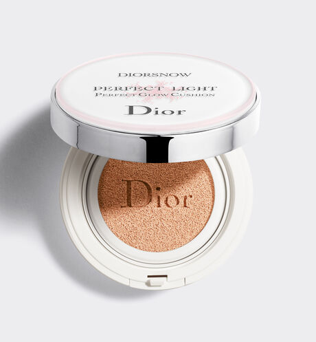 Dior - Diorsnow Diorsnow perfect light - perfect glow cushion - spf 50 - PA +++