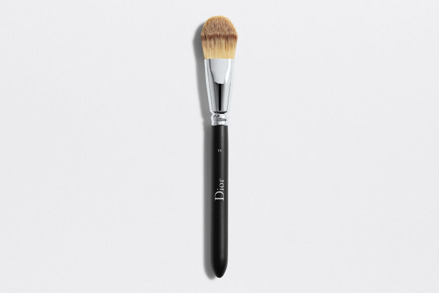 Dior - Dior Backstage Light Coverage Fluid Foundation Brush N°11 Light coverage fluid foundation brush n°11 Open gallery