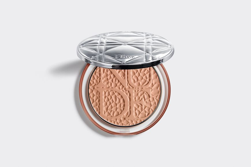 Dior - Diorskin Mineral Nude Bronze - Wild Earth Collection - Limited Edition Healthy glow bronzing powder - hand-hammered copper-style motif Open gallery