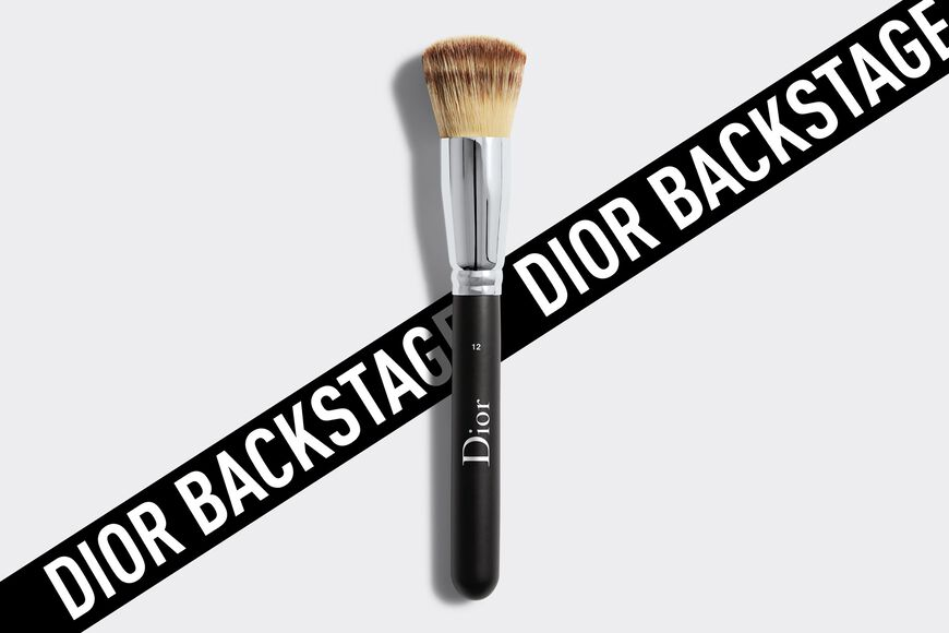 Dior - Dior Backstage Full Coverage Fluid Foundation Brush N° 12 Pinceau fond de teint fluide - haute couvrance n°12 Ouverture de la galerie d'images