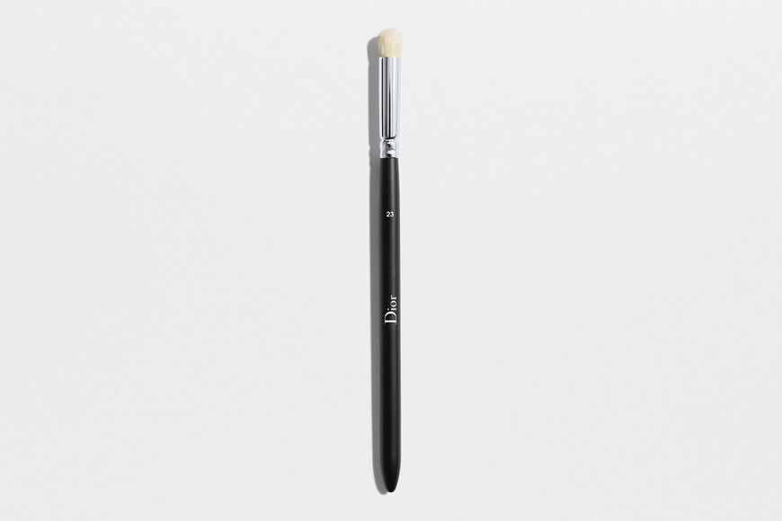 Dior - Dior Backstage Large Eyeshadow Blending Brush N° 23 Large eyeshadow blending brush n° 23 Open gallery