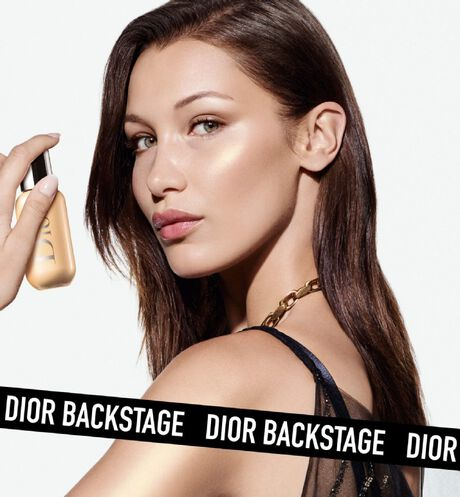 Dior - Dior Backstage - Face & Body Glow Universal multi-use highlighter - natural glow - waterproof & sweat-resistant - 5 Open gallery