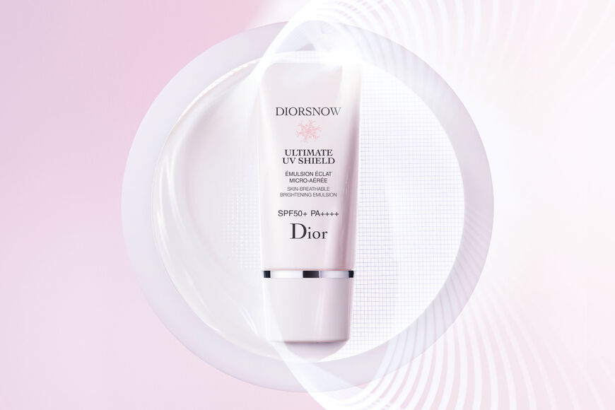 Dior - Diorsnow - Ultimate UV Shield Skin-breathable brightening emulsion - spf 50+ pa++++ Open gallery
