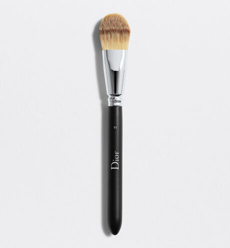 Dior - Dior Backstage Light Coverage Foundation Brush N° 11 Pinceau fond de teint fluide couvrance légère n°11