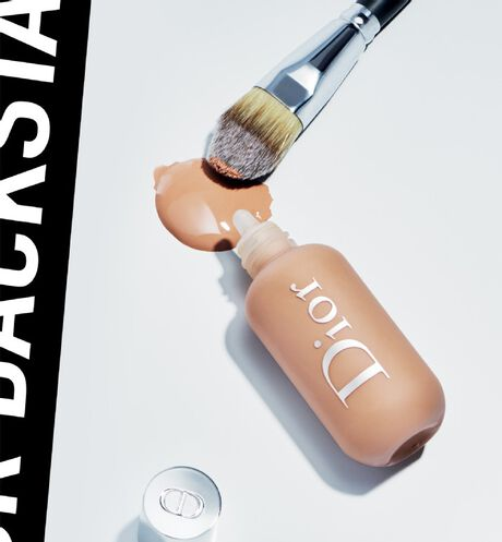 Dior - Dior Backstage Face & Body Foundation Professional performance - face and body foundation - 52 Open gallery